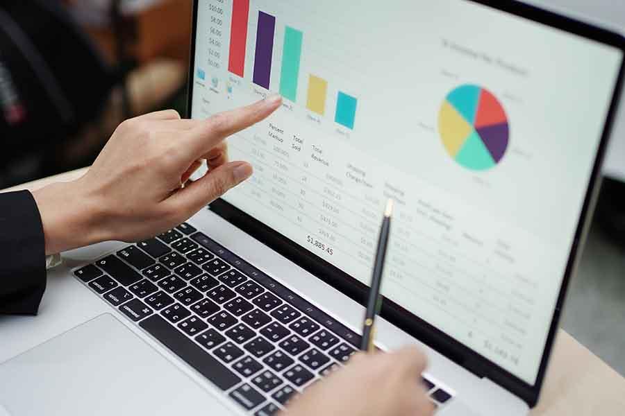 analysing statistics on computer graphs
