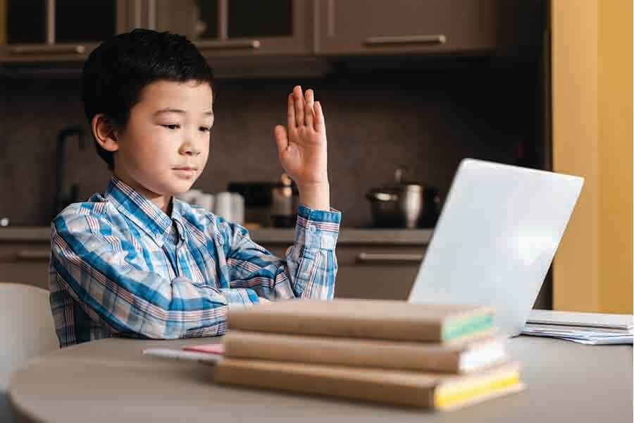 Child having primary online math tuition